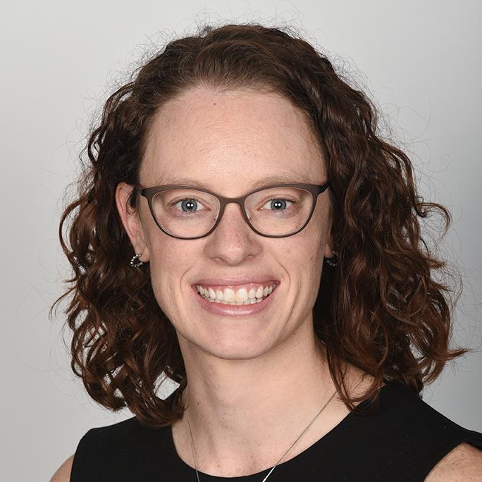 Rebecca Everette Headshot