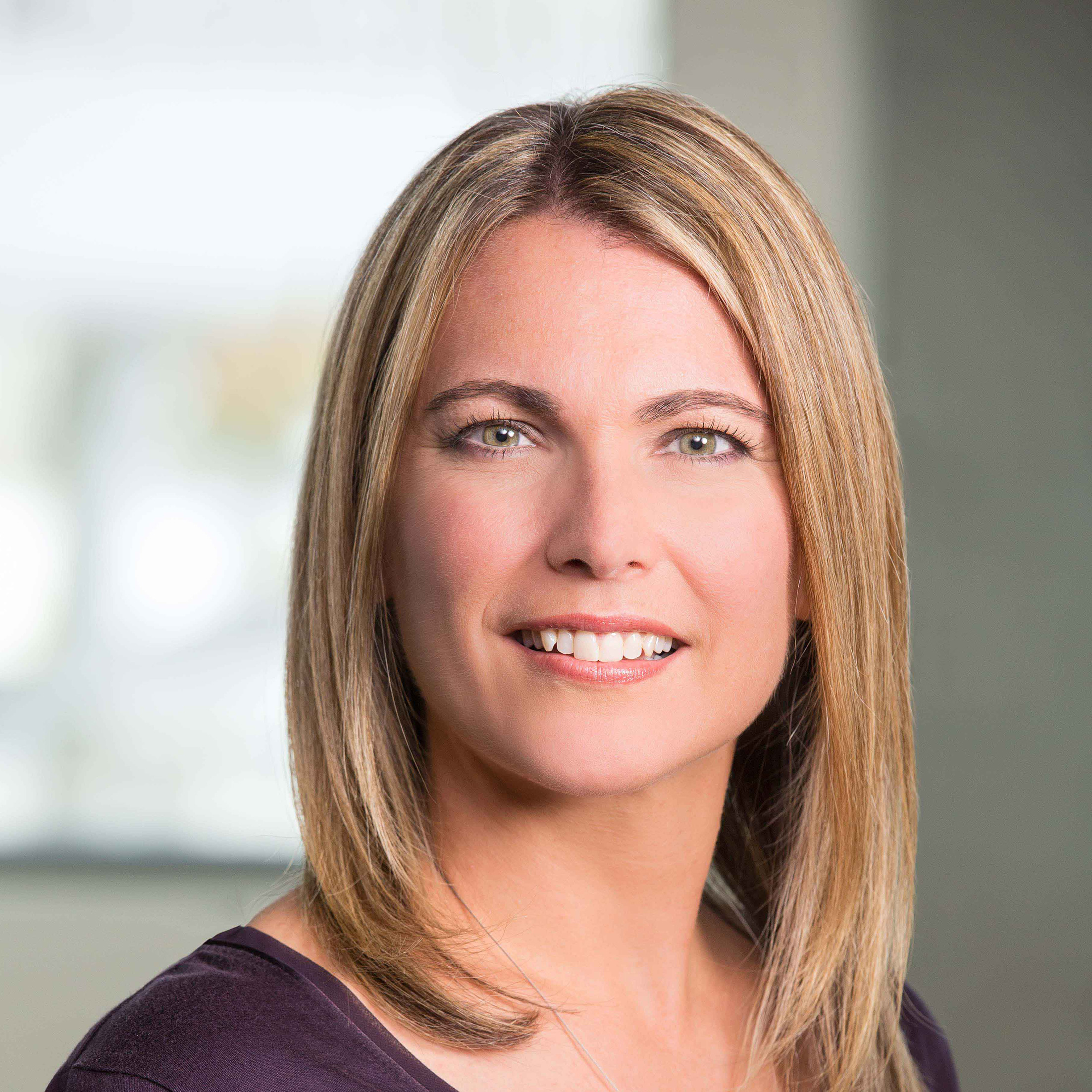 Jennifer Newcomer Headshot